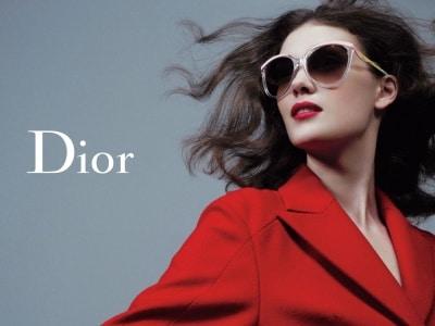 dior-poster-red-coat-M102076